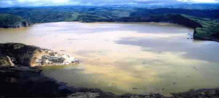 Danau-Vulkanik-Terindah-Di-Dunia-01