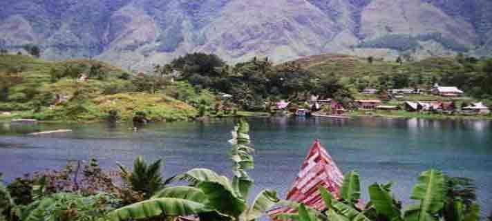 Danau-Vulkanik-Terindah-Di-Dunia-04