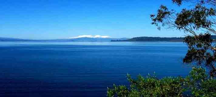 Danau-Vulkanik-Terindah-Di-Dunia-05