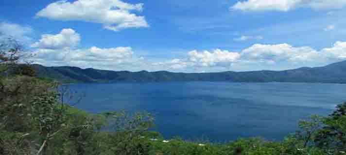 Danau-Vulkanik-Terindah-Di-Dunia-09