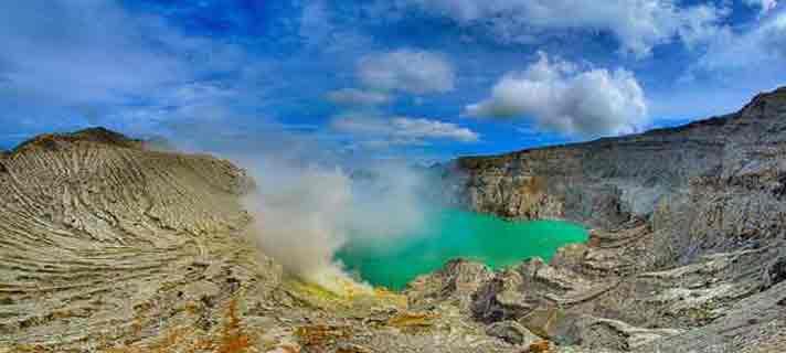 Danau-Vulkanik-Terindah-Di-Dunia-10