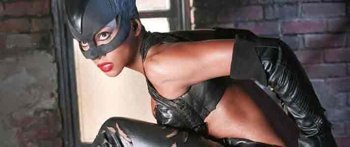 Artis-Superhero-Wanita-Terseksi-03