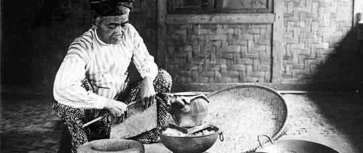 Mitos Hantu Pocong Terpopuler Di Indonesia