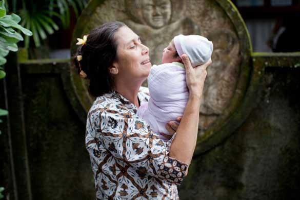 Orang-Asing-Yang-Peduli-Indonesia-01