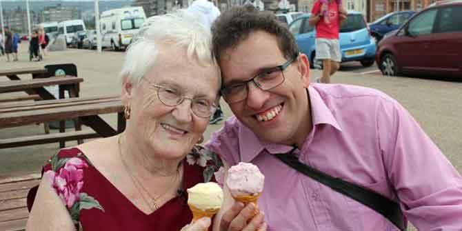Pasangan Beda Usia Paling Tidak Wajar Di Dunia