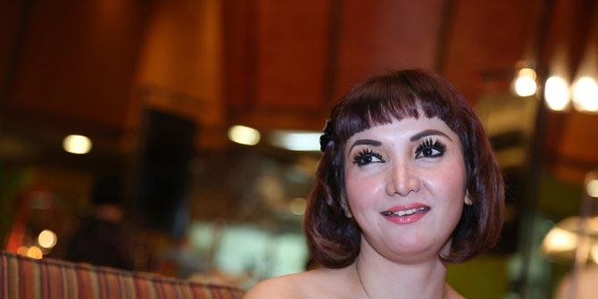 Penyanyi Dangdut Terseksi Di Indonesia