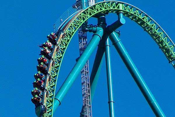 Roller Coaster Terekstrim Di Dunia