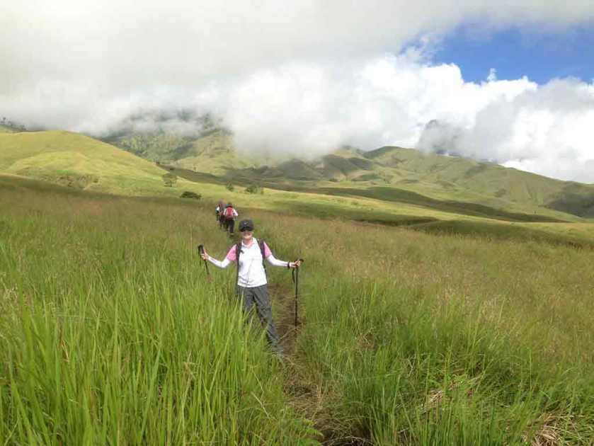 Padang-Savana-Terindah-Di-Indonesia-04