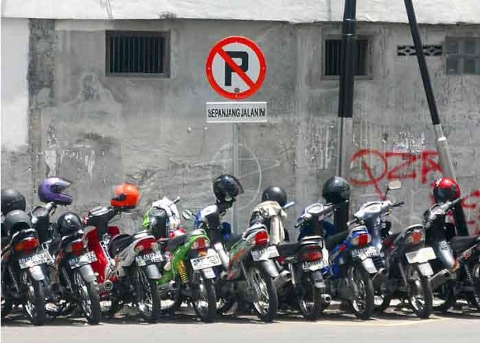 Peraturan-Yang-Sering-Dilanggar-Di-Indonesia-02