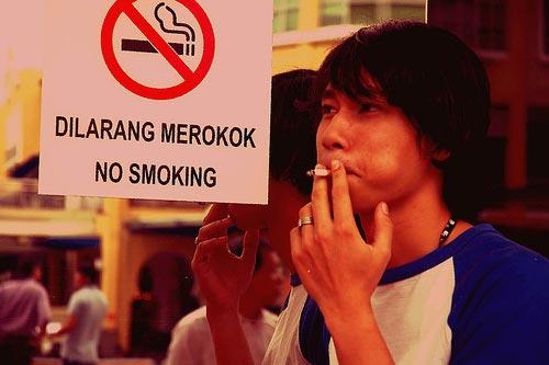 Peraturan-Yang-Sering-Dilanggar-Di-Indonesia-04
