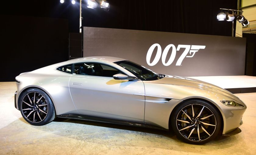 Mobil James Bond