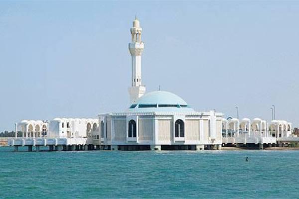 Paket Religi - Inilah 5 Masjid Terapung di Laut