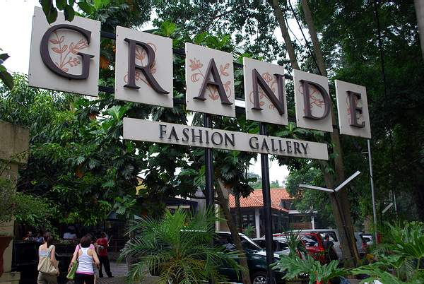10 Tempat Belanja Murah di Bandung Paling Direkomendasikan b66721f8b2