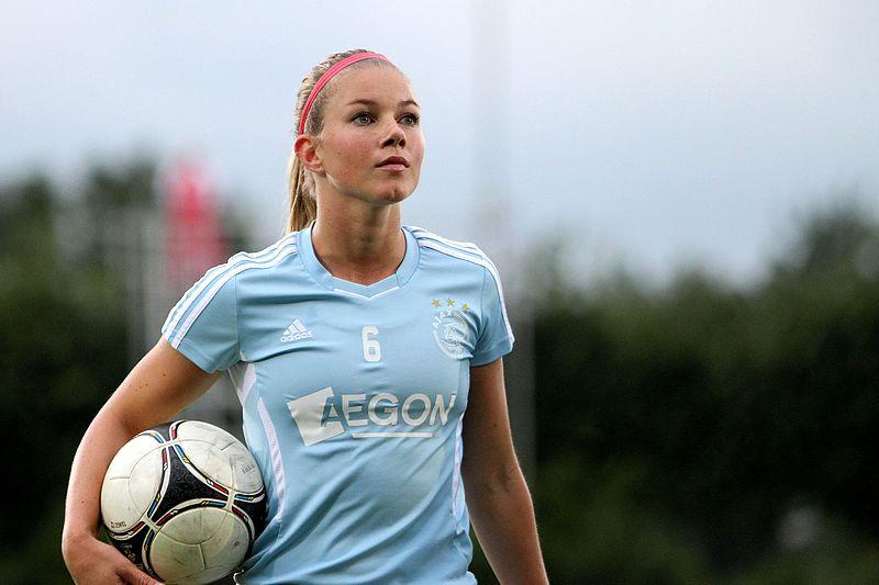 Pemain Sepak Bola Wanita Terseksi