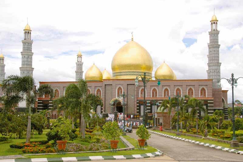 Paket Religi - 11 Masjid Terindah di Indonesia