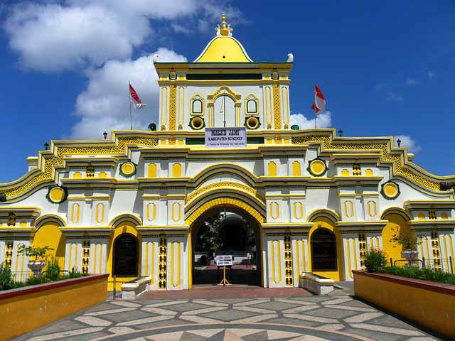 11 Masjid Terindah Di Indonesia Yang Megahnya Sangat Luar Biasa